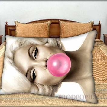 "Marilyn Monroe Bubblegum - 20 "" x 30 "" inch,Pillow Case and Pillow Cover."