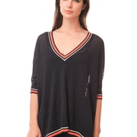 525 America Elbow Sleeve Tipped V Neck