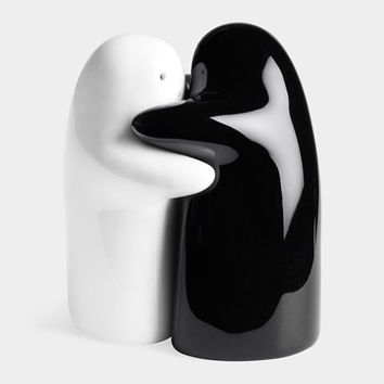 Hug Salt and Pepper Shakers