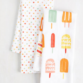 Frosty Shazam Tea Towel Set | Mod Retro Vintage Kitchen | ModCloth.com