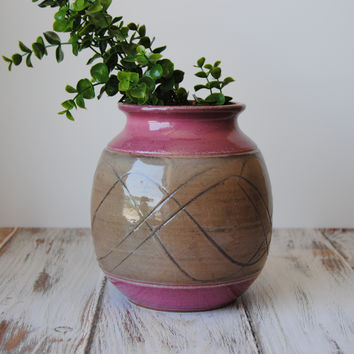 Cranberry Wave Vase, Medium
