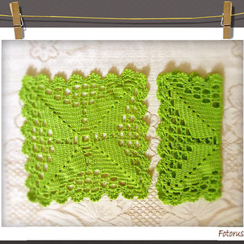 Vintage Crochet Doilies, 2 Handmade Green Yarn Doilies, Pair of Vintage Lace doiles
