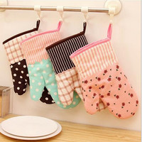 1Pcs Cute Kitchen Cooking Microwave Oven Mitt Insulated Non-slip Glove Thickening High Temperature Oven Glove C0