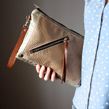 Multi pocket leather clutch, leather purse, beige leather clutch, zipper clutch / purse, wrist strap