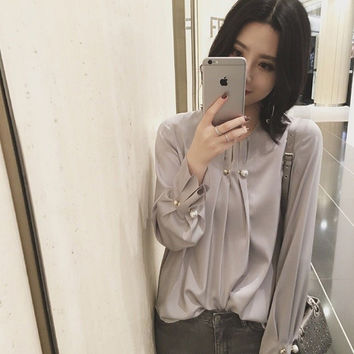 Tops Fashion New 2017 Spring Blouses Women O-Neck White Pearl Beading Long  Sleeve Elegant Loose Tops Blusa Ladies Office Shirts