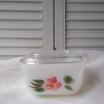 Fire King Gay Fad Refrigerator Dish With Lid Peach Blossom