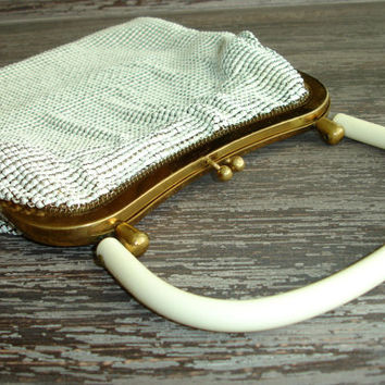 Vintage Whiting and Davis White Mesh Purse, Clutch, Evening Bag, 1950s Mid Century Metal Handbag, Bakelite or Lucite Handle, Vintage Bride
