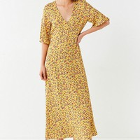 UO Flutter Sleeve Floral Maxi Dress | Urban Outfitters Canada