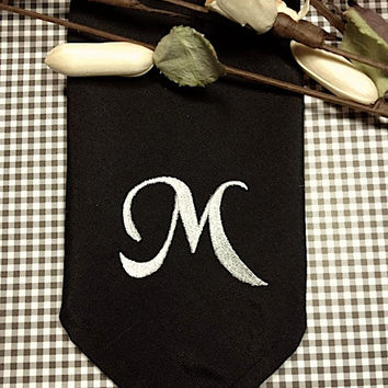 Set of 4 Hana Monogrammed Embroidered Cloth Napkins / Cotton / Poly / hostess gift / wedding / personalized / table linens / custom