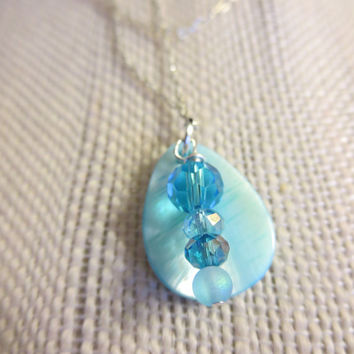 Delicate Blue Mother of Pearl Silver Faceted Beaded Necklace Pendant Women Girls Jewelry Chic Bohemian Beachy
