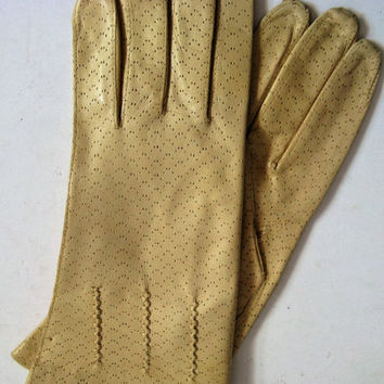 70s Pineapple Kid Gloves Vintage 1970s Bay Yellow Leather Perforated Gloves Italian Gloves 7