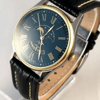 "ULTRA Rare Vintage Men's ""RAY""(LUCH) Quartz Moon Phase watch.Unusual Calendar.Perfect condition,with brand new high quality leather  band."
