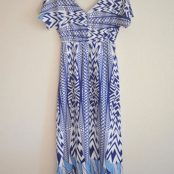 Vintage Geometric Full Length Dress / Blue / White / Very Flattering / Fits Like Medium