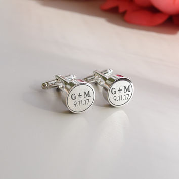 Gift for him - Engraved cufflinks round