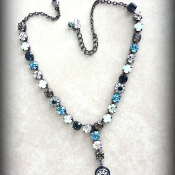 Swarovski crystal necklace, with dangle pendant, blue and black diamond, better than sabika, it's a siggy!. GREAT PRICE