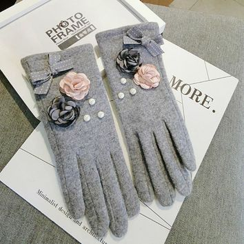 Korean wool touch screen five fingers aristocratic fight color flowers bows lovely warm women  winter gloves mittens