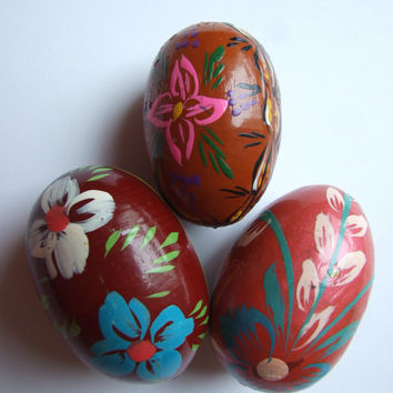 Easter Eggs / Pysanky / Hand painted decorative eggs / pysanka / Set of 3 / Vintage Folk Art Polish Solid Wood / Colorful / Floral Flowers
