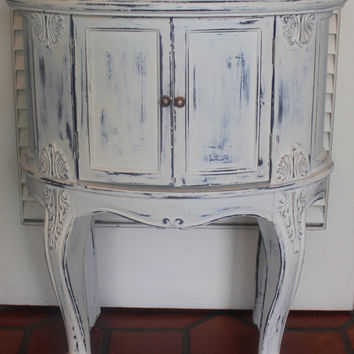 Vintage French Style White Distressed Oval Side/Bedside Table