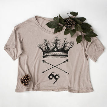 FOREST CROWN // Women's Cropped Shirt