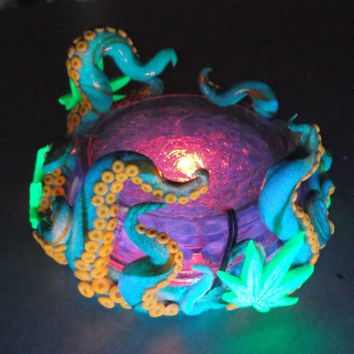 Octopus/Cannabis Glowing Ashtray -glow in the dark, unique, gift for him, cool, stocking stuffer