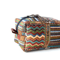 Mexican makeup bag // Cosmetic bag // Fabric zipper pouch // Cosmetic pouch // Make up bag // Bridesmaid gift for her // Toiletry bag