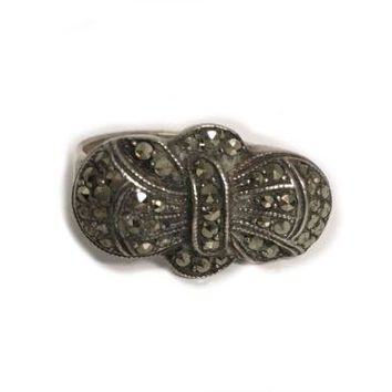 Vintage Sterling Silver Bow Marcasite Cocktail Ring 7 RL-170
