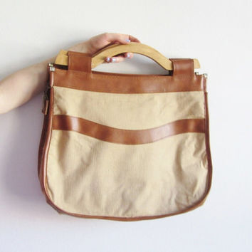 wood handle tote . large 1970 summer handbag