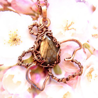 Copper pendant, labradorite pendant, gift for her, Gifts for mom, Bohostyle, flower pendant, wire wrapped pendant, wire wrap. FREE SHIPPING!