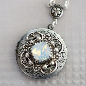 Moonstone Locket, Silver Locket,Jewelry,Necklace, Birthstone Locket, Rhinestone Locket,Flower,Wedding Necklace,bridesmaid,under the moon