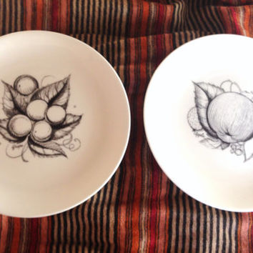 Susie Cooper Black Fruit Plates Black Fruit - Wedgwood - white apple grape English Designer 50s - mid century modern - clean design - ink