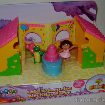 Fisher Price Dora Explorer Fold Surprise Birthday Cake Fiesta Frog Playset House