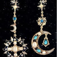 A pair of earings.There is always a right for you [6043216321]
