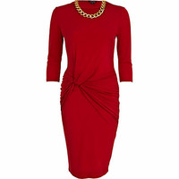 Red knotted waist necklace midi dress