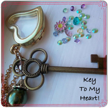 Key To My Heart! Floating locket charm necklace