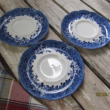 3 Vintage J & G Meakin Romantic England Warwickshire Anne Hathaway's Cottage English Ironstone Blue White Plates Saucers