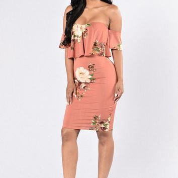 Nacarat Flowers Print Ruffle Bandeau Boat Neck Off-shoulder Bodycon Bohemian Mini Dress