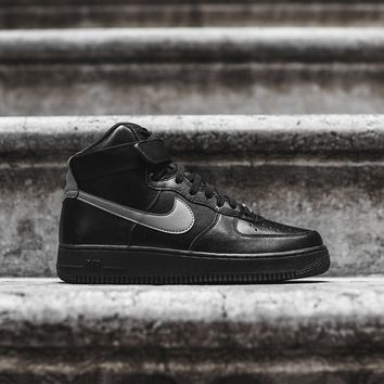 Nike Air Force 1 High LV8 - Triple Black