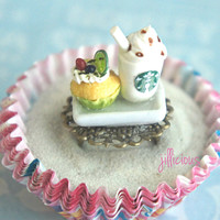 starbucks and cupcake ring