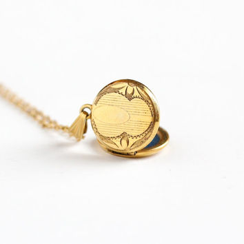 Vintage 12k Gold Filled Round Locket Necklace - Late Art Deco 1940s Sweetheart Pendant Valentine Embossed Geometric Children's Baby Jewelry