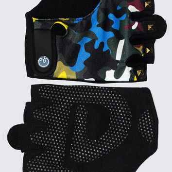 Fitness Gloves in Color Camo with Studs