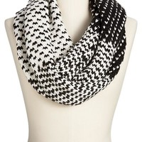 Women's Chunky-Knit Infinity Scarves