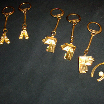 Lot Of 6 Vintage Keychains Baby Shoes Houses And Whishbone