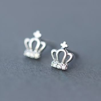 Sweet tiny crown 925 sterling silver earrings,a perfect gift