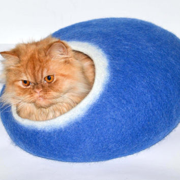 Cat bed blue, SIZE L, felted cat cave, wool pets house
