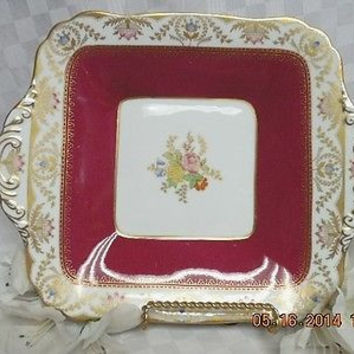 Spode England Bone china Dinnerware Regent-Red Pattern #:Y6941 Cake/sandwich