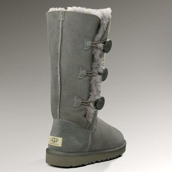 UGG: three button snow boots-3