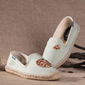 Soludos Women Platform Pizza Embroidery Slipper