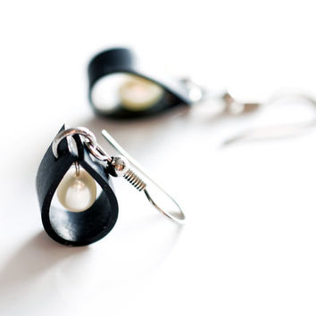 Mini black rubber bike inner tube raindrop earrings , handmade with upcycled rubber and drop freshwater white pearls and stainless steel