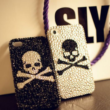 Bling Bling Gothic Luxury Rhinestones Swarovski Crystals SKULL iPhone case For iPhone 4 4S iPhone 5 Screen Protect