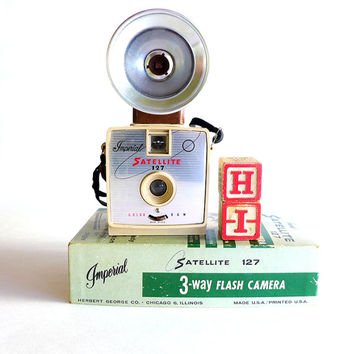 Vintage Camera, 127 Imperial Satellite Film Camera, Cute Old Camera in Original Box